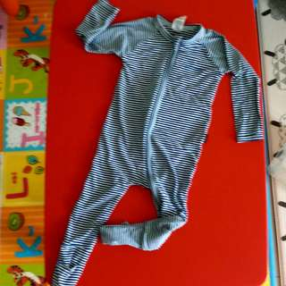 Bonds Sleepsuit / Wondersuit 12-18 months