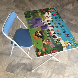 Prelove kids folding table and chair