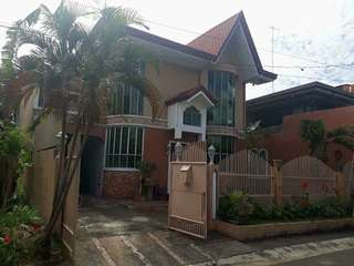 House and lot FOR SALE Greenheights subd. Paranaque