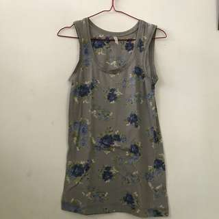 M&S blue flower top