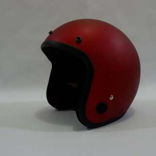 Helm retro SNI