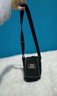 Tas sling / pinggang waterproof dari eropa