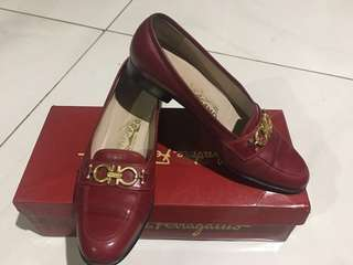 Original salvatore ferragamo classic loafers