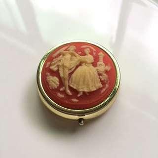 西洋古典仕女與紳士圓藥盒 隨身盒 戒指盒