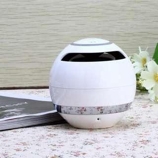 Bluetooth 4.0 speaker 3watts power suspended design small