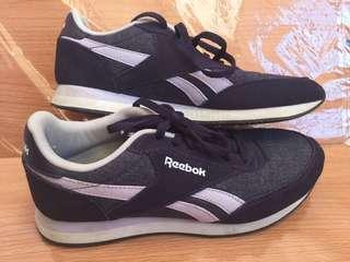 Reebok Womens Walking Fashion Shoes Size 6.5US