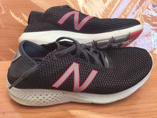 New Balance Womens Athletic Sports Running Gym Shoes Size 6.5US