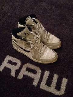 "Air Jordan 1 ""Elephant"" Nike Supreme Off White Yeezy"