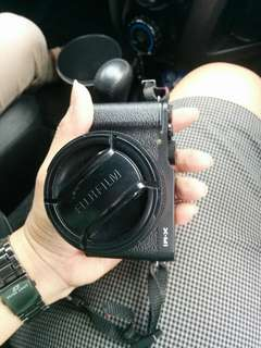 Fujifilm xm1 black lensa kit 16-50mm