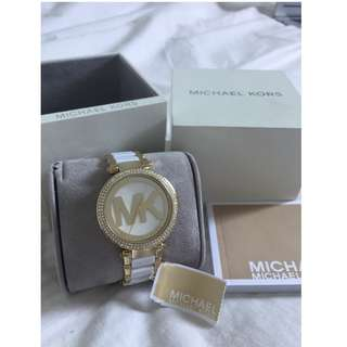 AUTHENTIC Michael Kors Watch with Tag, Box and Care Book