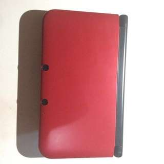Nintendo 3DS XL (with 13 games)