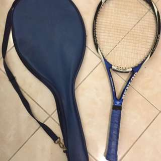 Tennis Racket with free case and balls