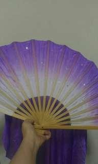 紫色長飄扇