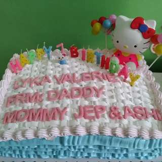 Customize hello kitty cake