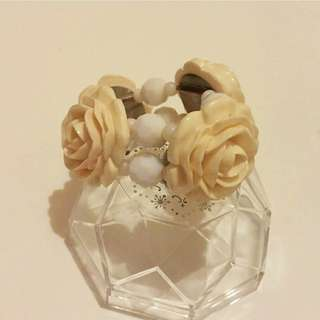 米白大玫瑰手鏈