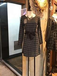 黑色格仔連身裙 Essential Smocked Dress