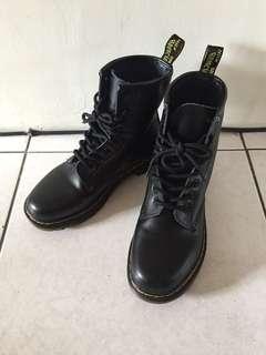 🚚 經典馬汀鞋(含運 全新 買到賺到✨✨)