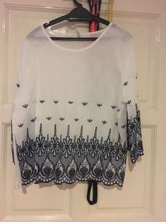 3/4 sleeves top with embroidery