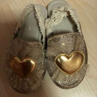 Gold sandals for baby girl