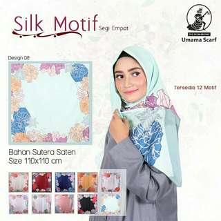 Jilbab segiempat satin silk motif Umama