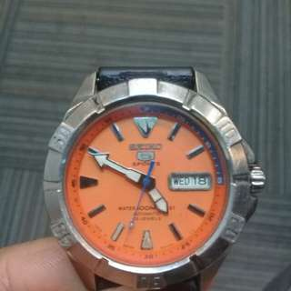 Seiko 5 Sports Orange Dial like Citizen Rado Oris Tissot Omega Bulova Tudor Hamilton Tudor