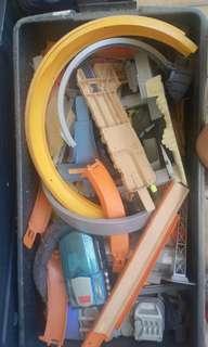 Box of toys 1 box of hot wheels tracks