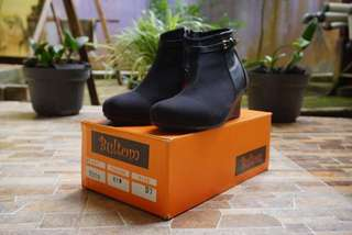 Bultom Shoes