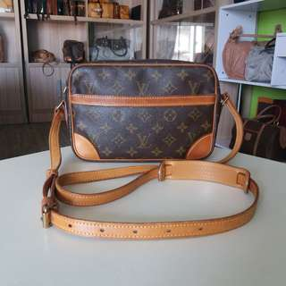 AUTHENTIC LOUIS VUITTON TRACADERO23 SLINGBAG MADE IN FRANCE TINGGI 15CM X LEBAR 23CM GOOD CONDITION RM890 DATECODE INSIDE C.O.D USNASAPRELOVED http://www.wasap.my/60104550163