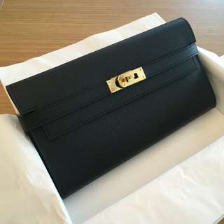 Hermes Kelly classique wallet (black / gold)