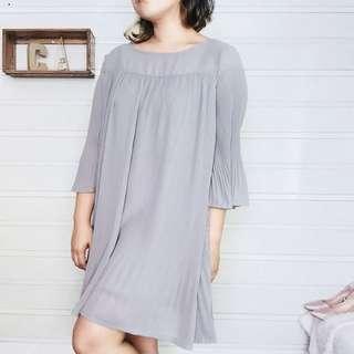 Flowy classy dress