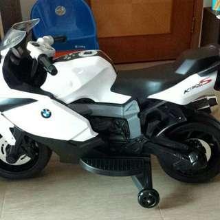 兒童寶馬電單車
