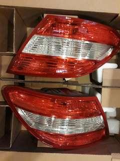 w204 c300 尾燈 原廠尾燈一組