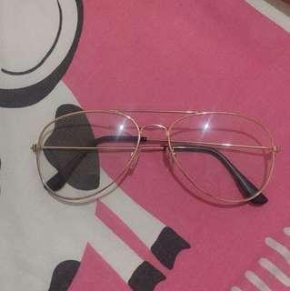 kacamata polos