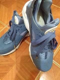 for SALE!! never been used nike shoes