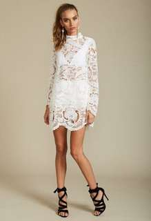 FREE POSTAGE lioness lace white festival city lights high neck dress size small