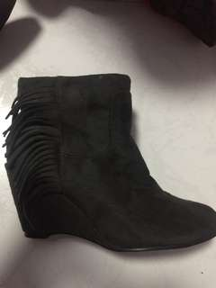 BIG SALE!!! Brand New Ankle Boots💯