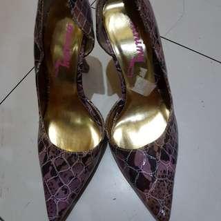 Stilettos/ high heels
