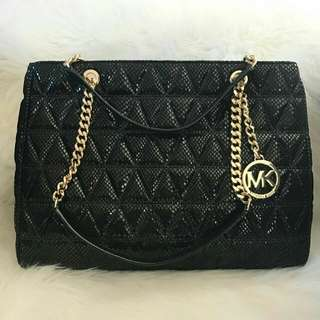 Readystock Michael Kors Susannah embossed leather in black