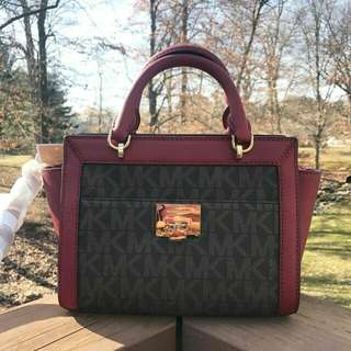 Readystock Michael Kors tina sm messenger siggy brown cherry