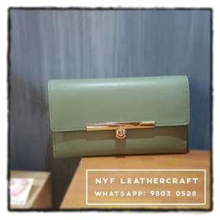 NYF真皮墨綠色長銀包