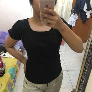 Kaos hitam / black shirt