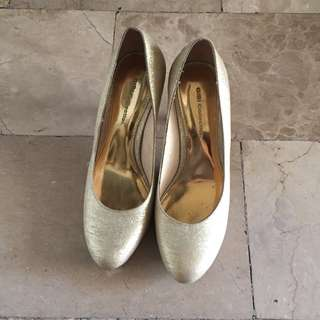 Gibi low heeled shoes