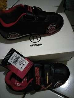 Sepatu anak size 28