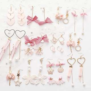 Pinky Korean Earrings✨💓  ( RM30 for 3pairs ) grab it now‼️❤️