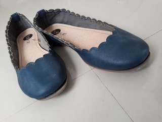 Semi used soulmate flat shoes