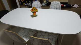 Dining table and 4 set of chairs