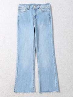 🚚 OshareGirl 04 歐美女士水洗淺藍牛仔褲微喇叭長褲
