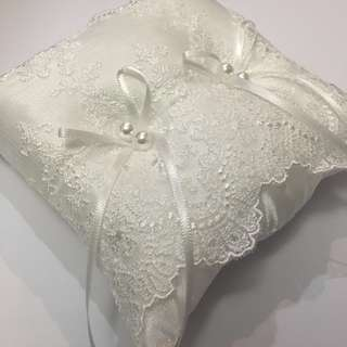 Lace designed wedding ring pillow