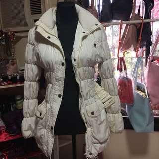 White Jacket (free sf cavite-laguna,biñan and mm areas)