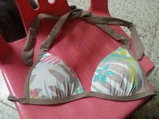 Triumph Bikini 吊帶泳衣 細碼